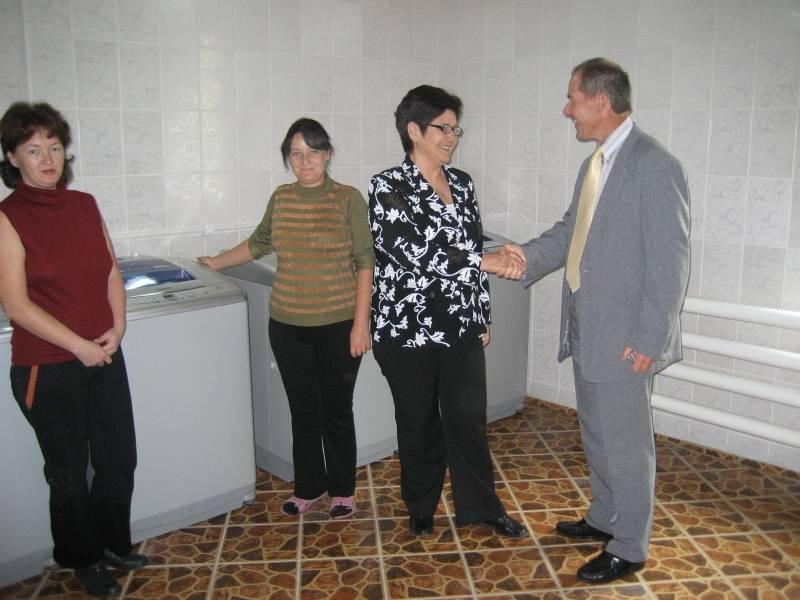 nak berlin brandenburg k d r humanit r aktiv im mittelasiatischen kirgisien. Black Bedroom Furniture Sets. Home Design Ideas